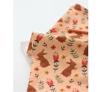 (3103) Кролик с тюльпанами на абрикосовом